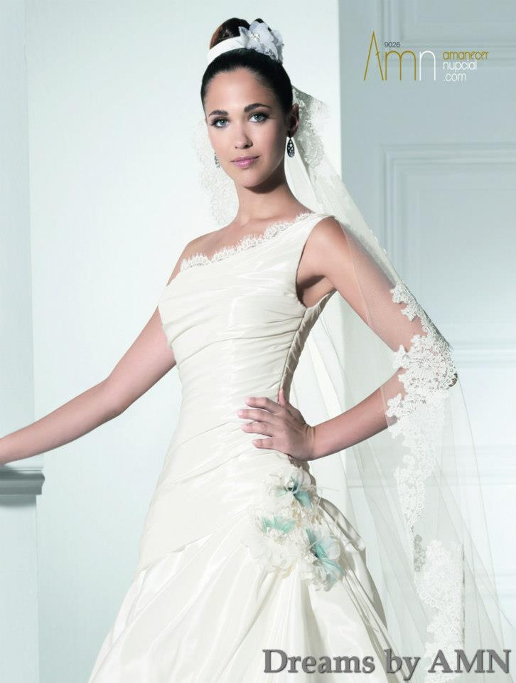 گالری عروس شاهدخت - لباس عروس اروپایی 2013