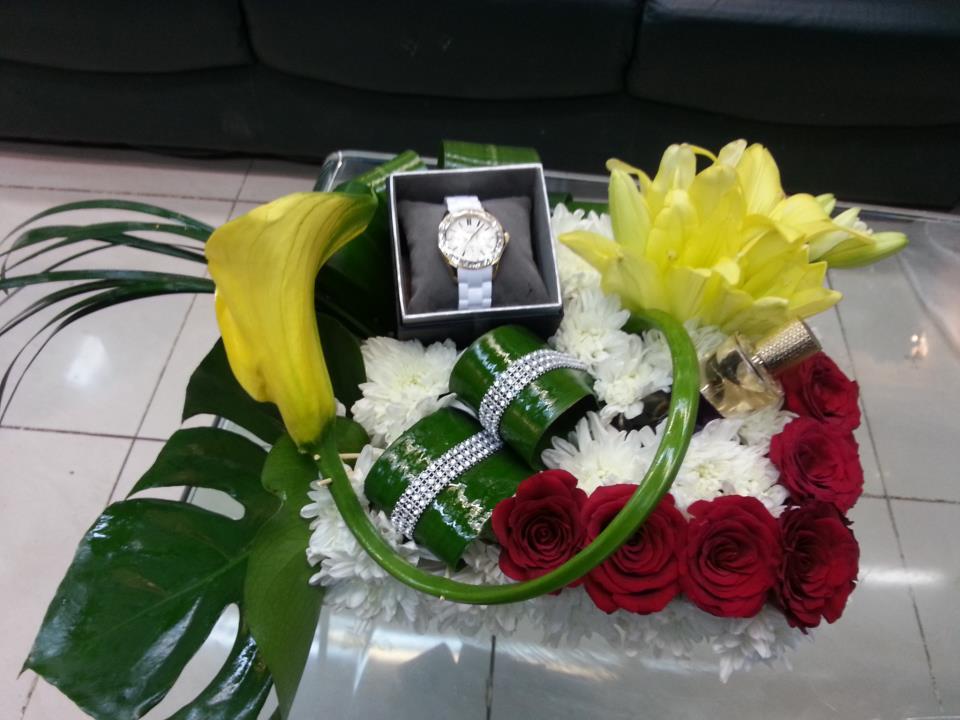 گالری عروس شاهدخت - دسته گل و تزئین جواهرات و خرید برای شب ...